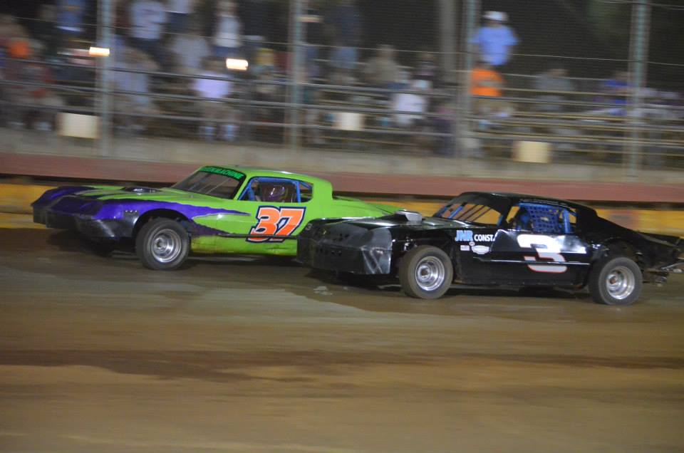 Racing with Earl Claypool Jr. at Sunset Speedway