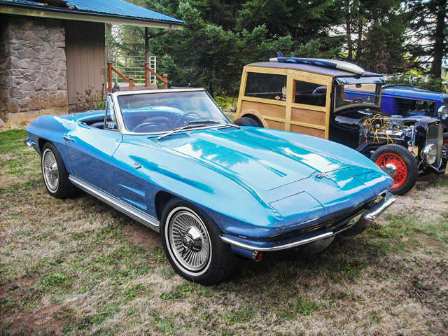 1964-Corvette-Stingray-Roadster