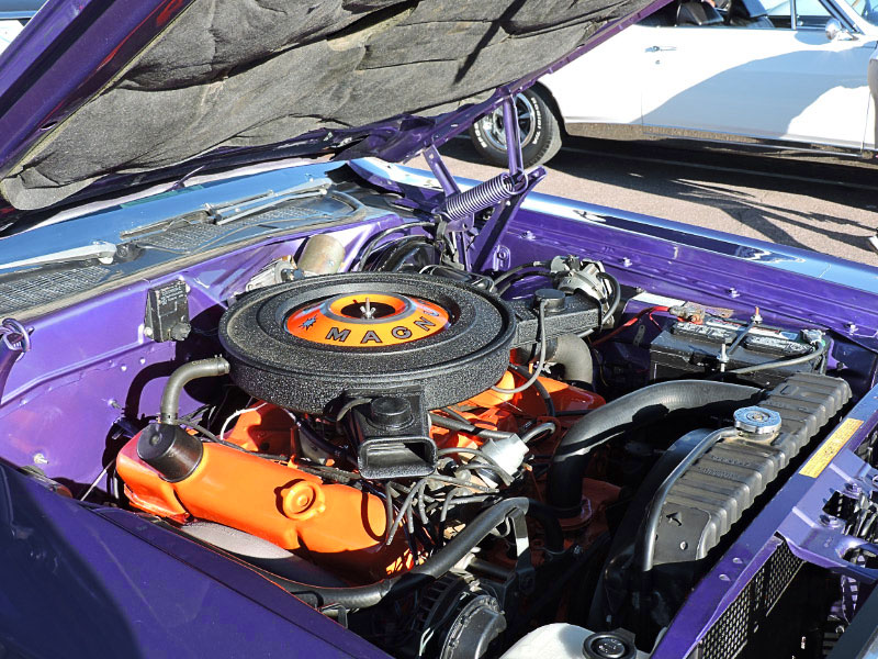 1970-Challenger-engine